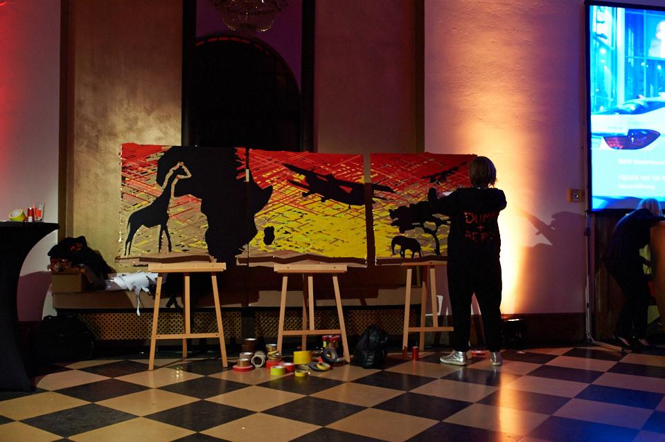Amref – Tape Art von DUMBO AND GERALD