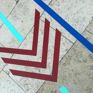 1TAPE-ART-DUMBOANDGERALD-Leitsystem-Riem-Arcaden-Muenchen